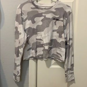 This is a camo semi cropped shirt